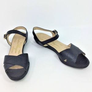 Salvatore Ferragamo Vintage Sandals Black 7.5 AAAA